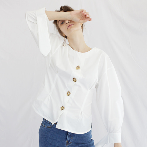 ┃HACER SEOUL┃ 17 FALL ROUND SLEEVE BLOUSEwhite