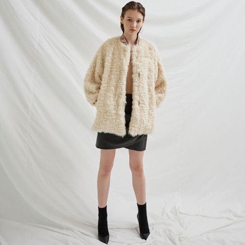 ┃BLUSHED┃ CURLY FUR FLARE JUMPERivory