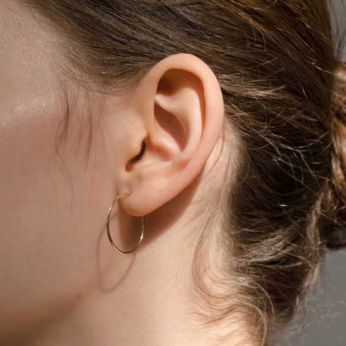 ┃NINETEEN TWO┃ 14K GOLD SKINNY EARRING gold